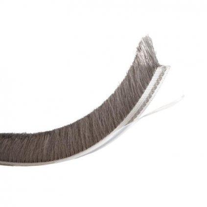 Těsnící kartáč výška 12mm, délka 5,5m, samolepící, šedý