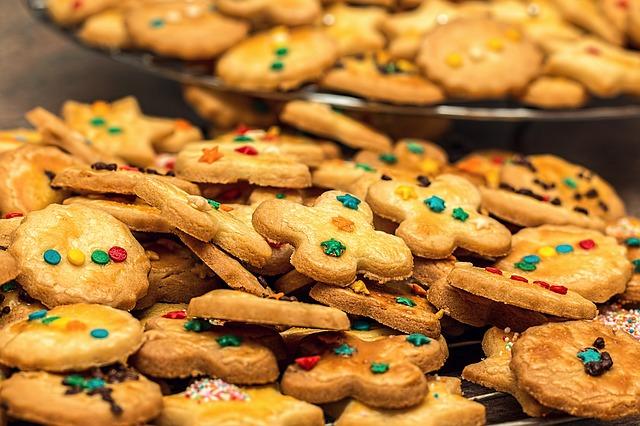 christmas-cookies-1051884_640