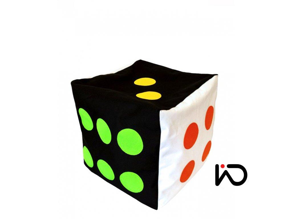 hraci kostka cernobila barevne tecky 001
