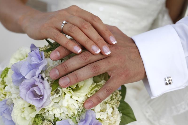 Ako vybrať darček pre novomanželov?