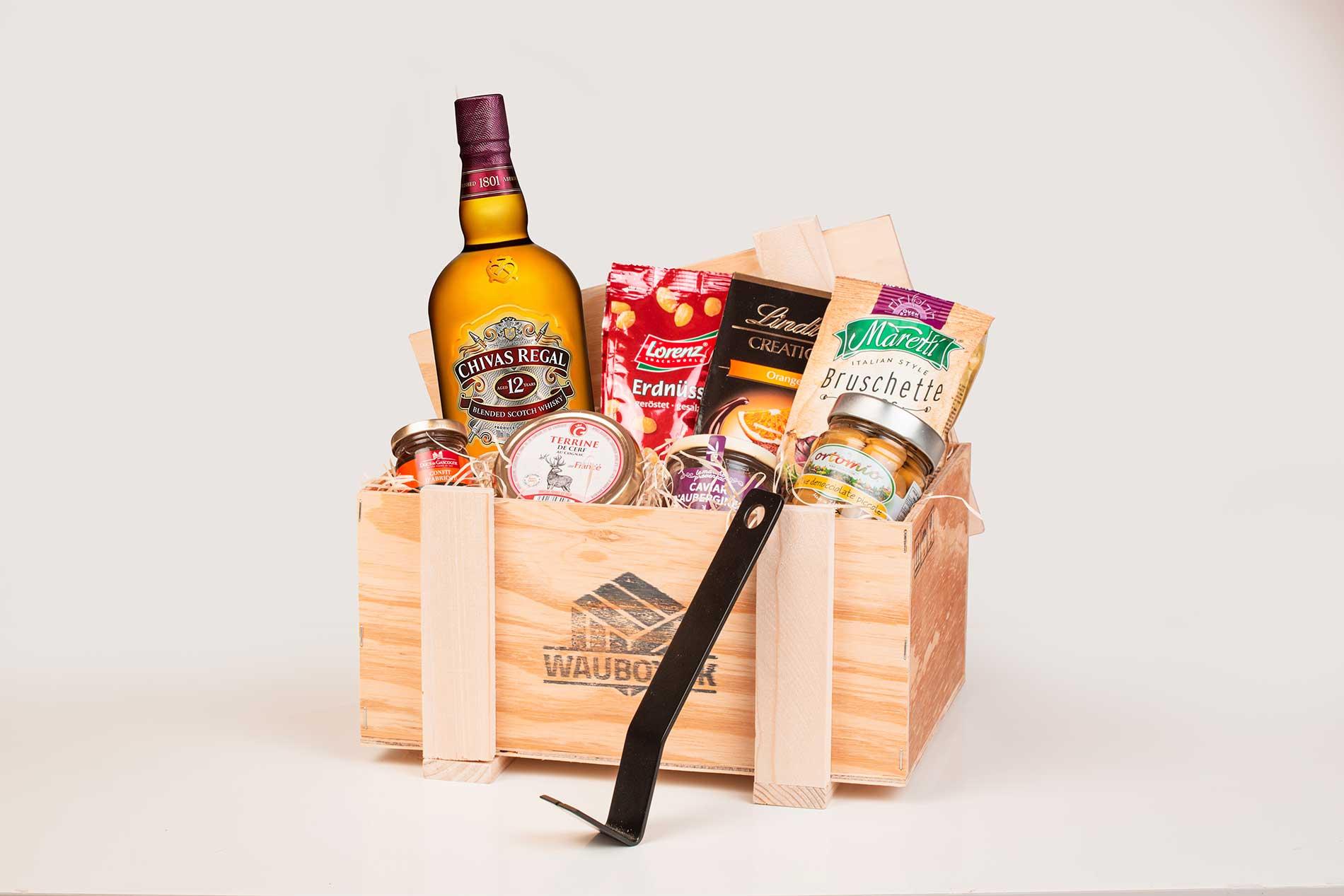 darcekova-debna-whisky-chivas