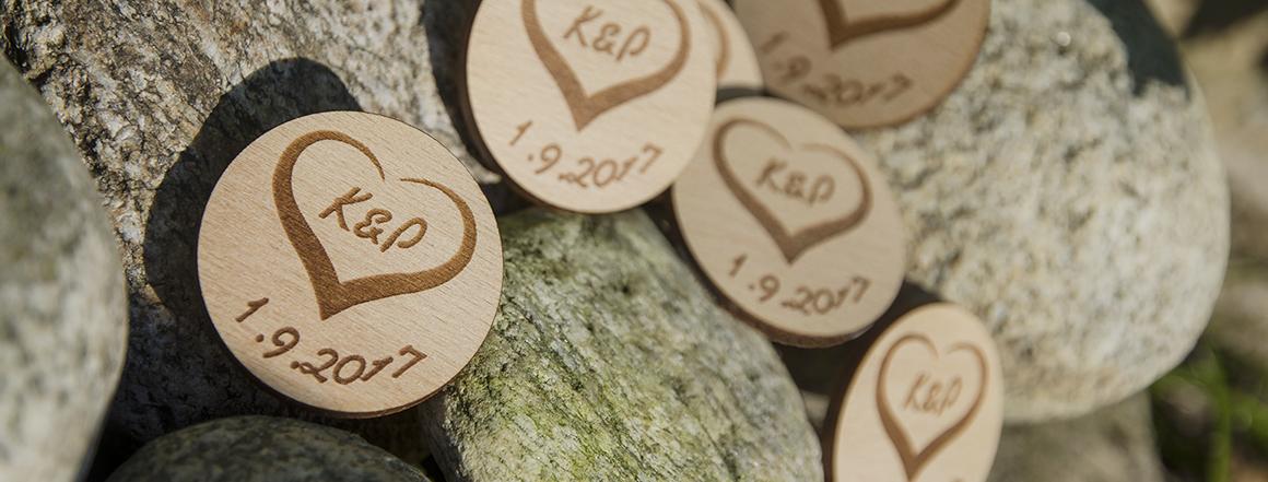 dřevěná svatební placka