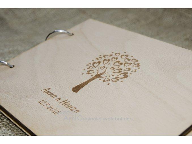 svatebni kniha hostu strom detail