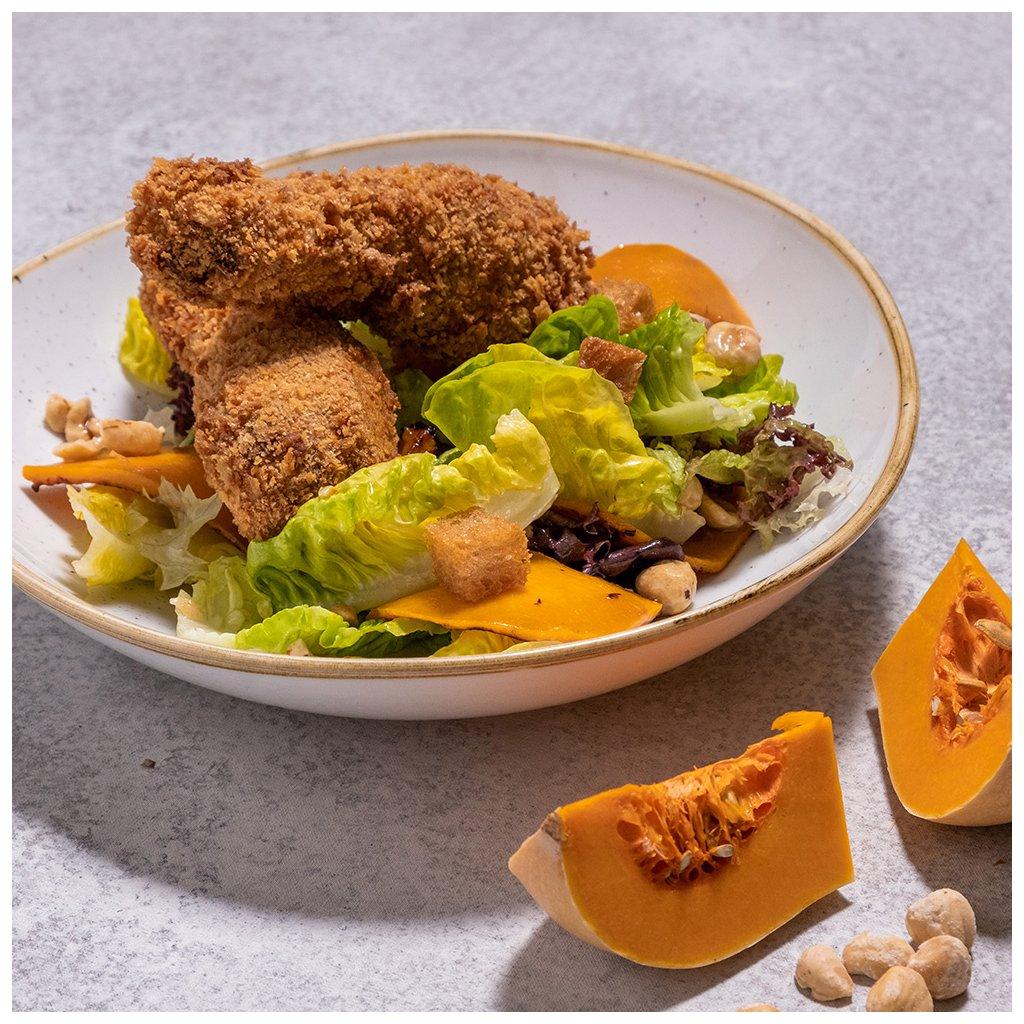 Salát se smaženými kachními křídly