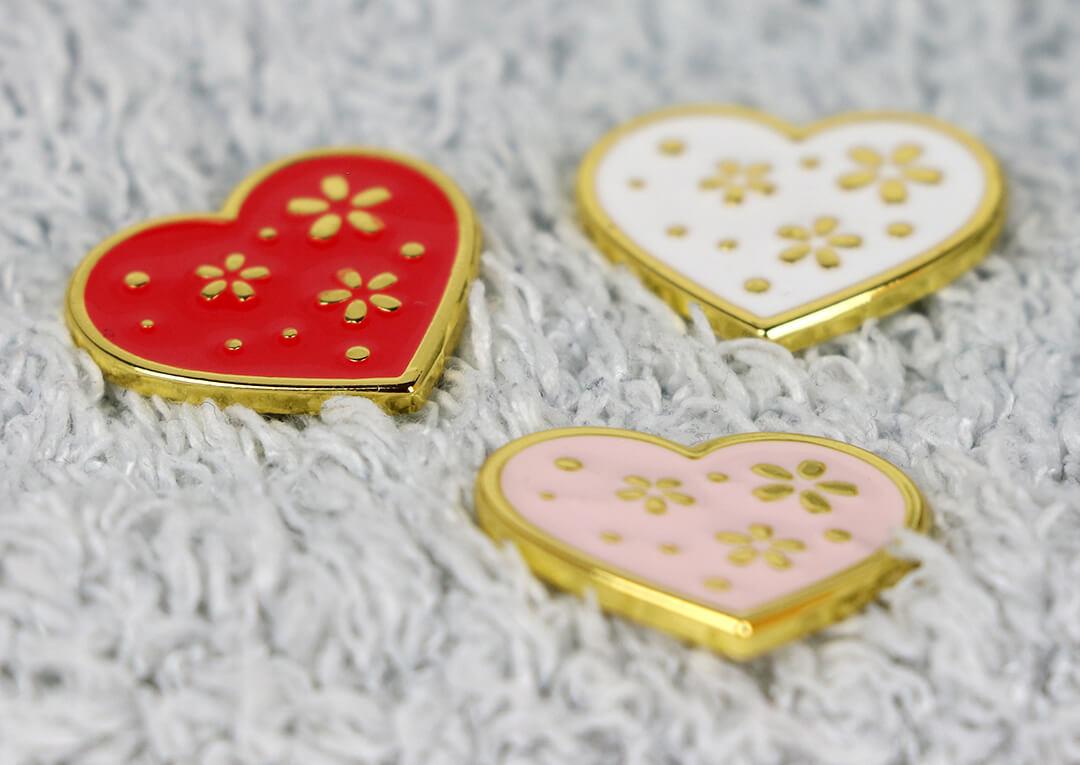 Brož srdce ve třech barvách