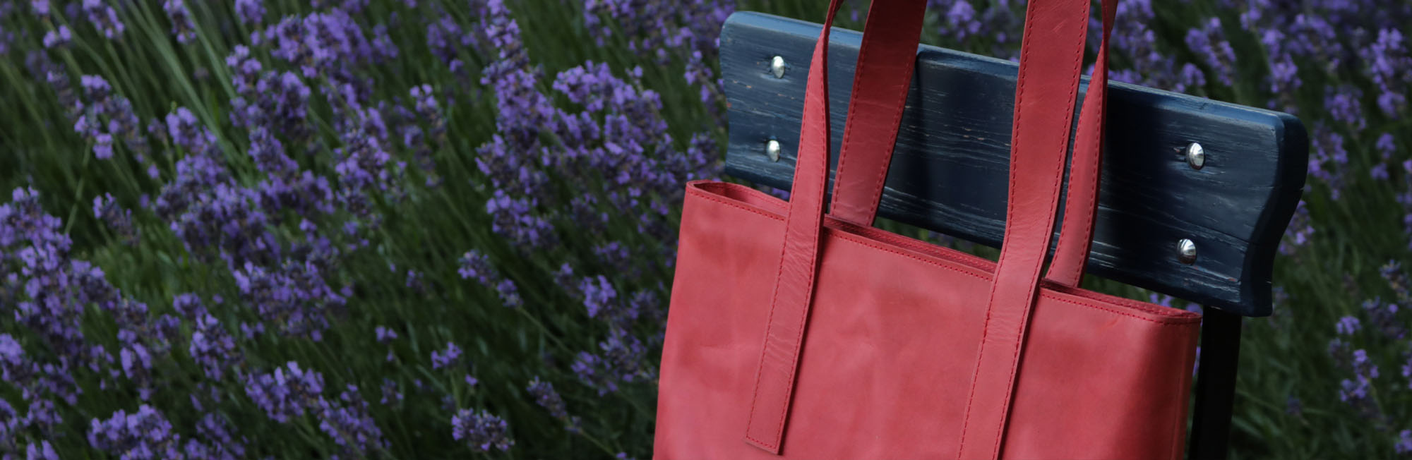 Dámské kožené tašky WILDSKIN