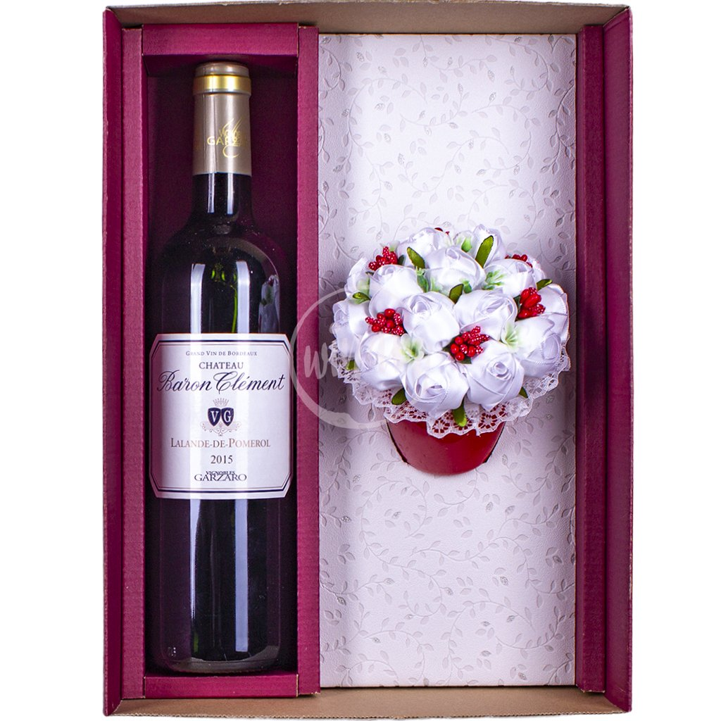 Luxusní červené cuvée z Bordeaux s kytičkou