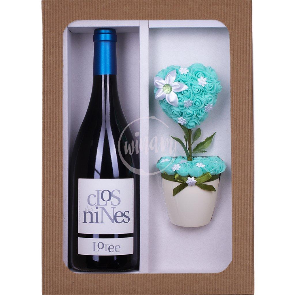 Barikové víno s kytičkou jako dárek