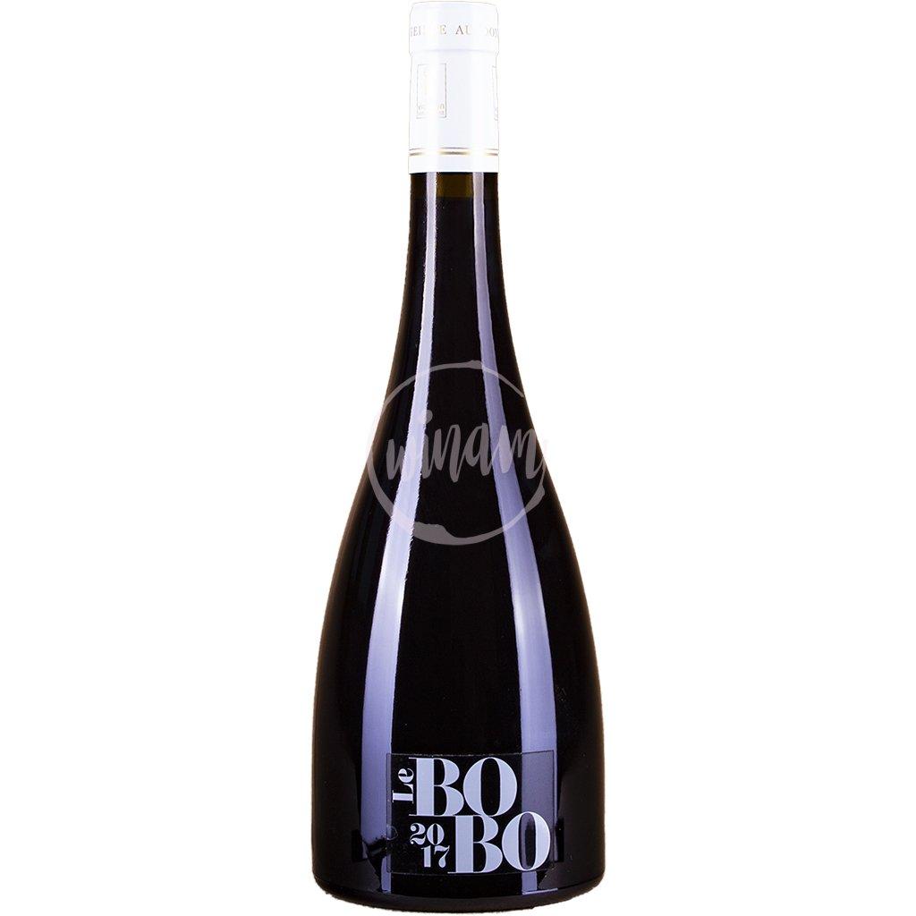 Červené víno z Beaujolais