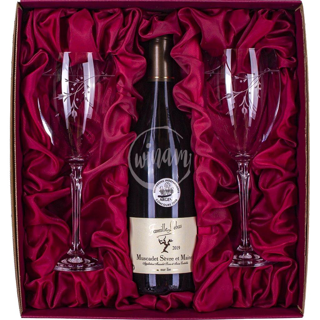 Suché bílé víno v dárkové kazetě