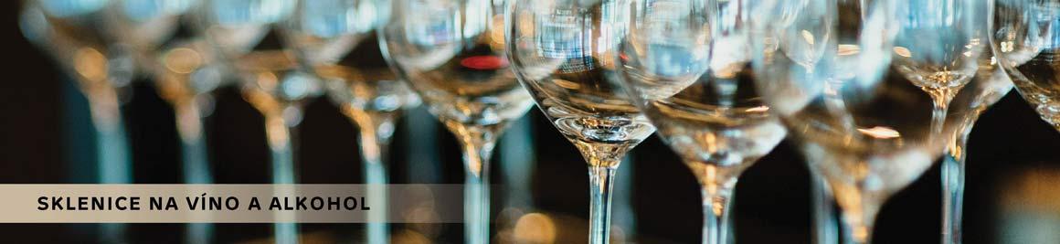 Sklenice na víno a alkohol