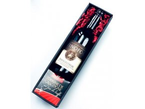 Dárkový koš Gurmanské blahopřání s červeným vínem