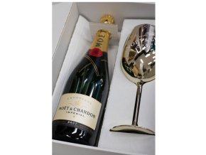 Moët & Chandon Imperial Brut Festive Golden v dárkové krabičce se zlatou skleničkou, 0,75l