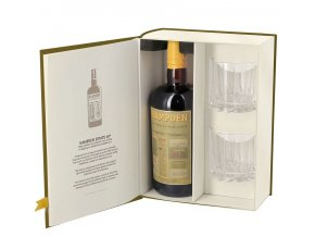 3038 hampden estate 8 yo gift box open
