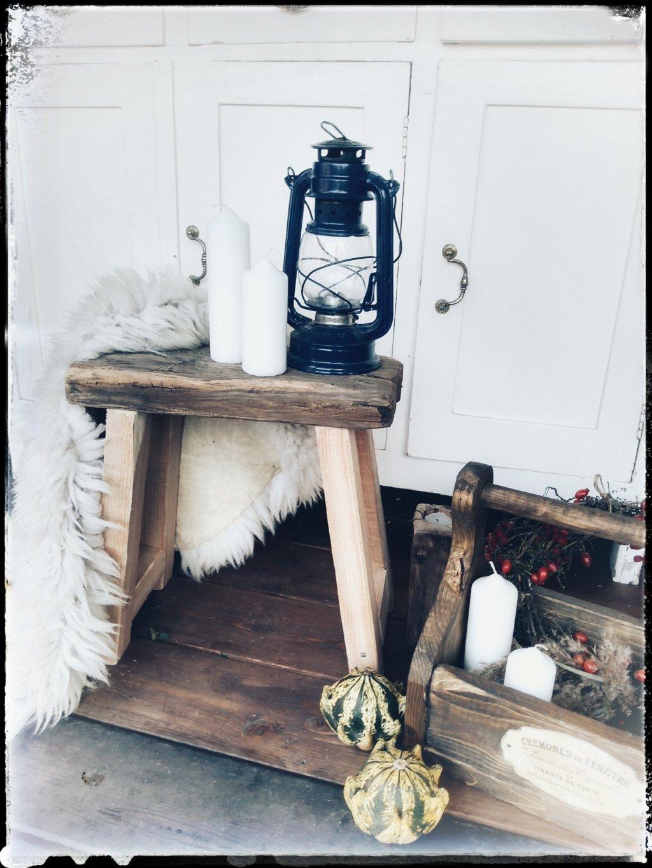 Drevený šamlík alebo stolček