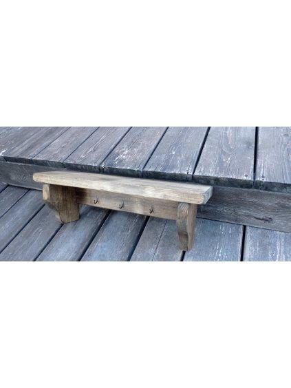 Polička s drevenými konzolami