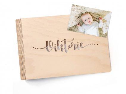 Dřevěné fotoalbum Wooden moment se jménem dítěte