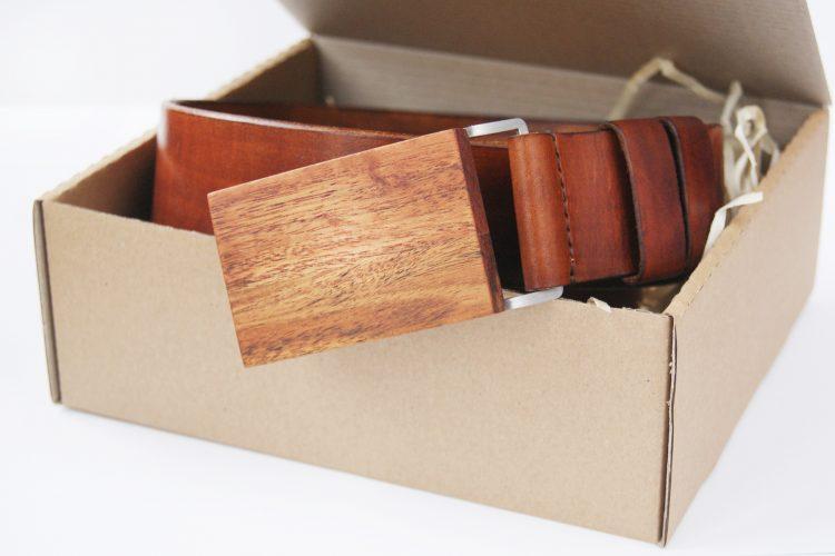 Brązowy-pasek-skórzany-męski-z-klamrą1-750x500