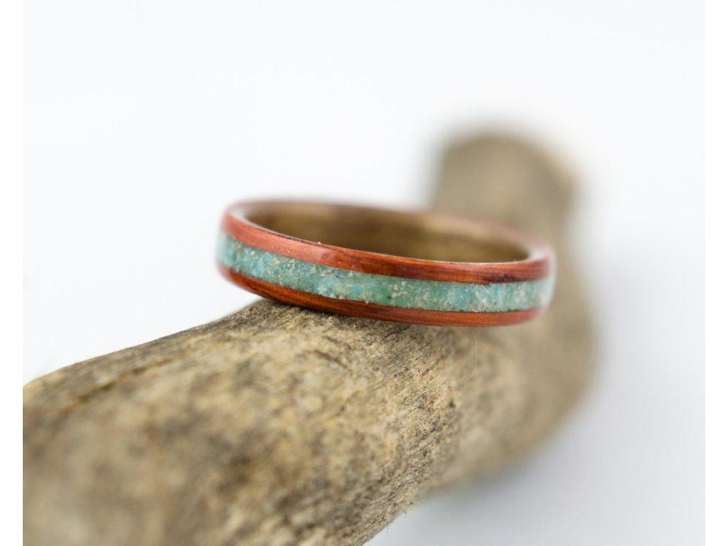 Dřevěný prsten