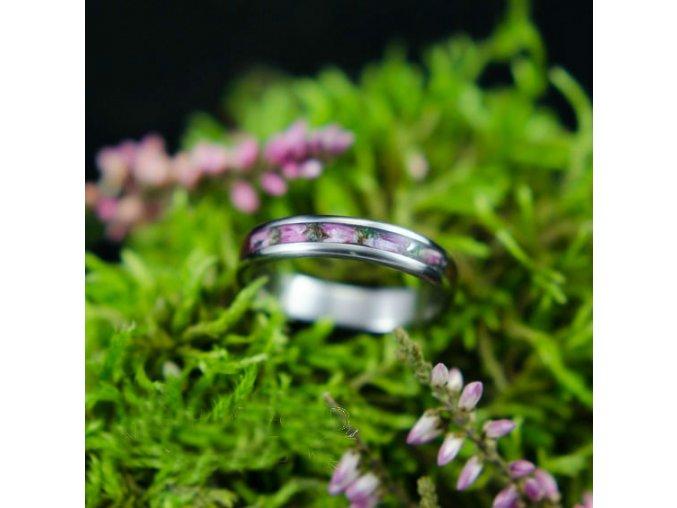 Titanový prstýnek s květy vřesu