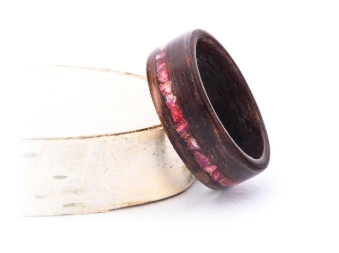 Prstýnek z palisandru