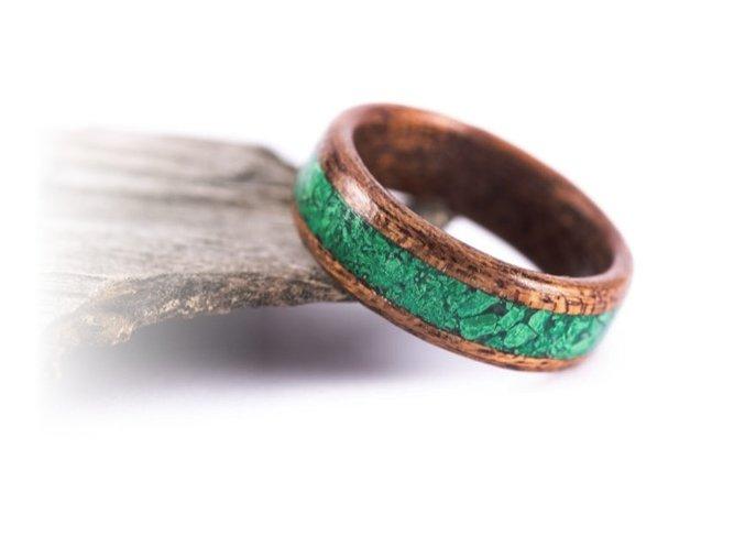 Mahagonový prstýnek