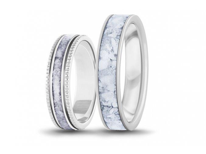 Zlaté prsteny z howlitem