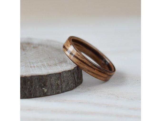 Dřevěný prstýnek ZEBRANO