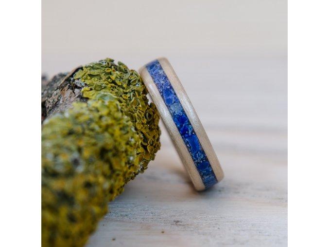 Netradiční prsten