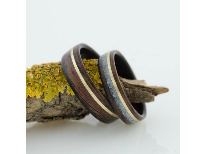 Snubní prstýnky ze dřeva a mědi