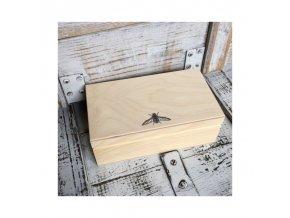 drewniana mucha w geometryczne wzory no2