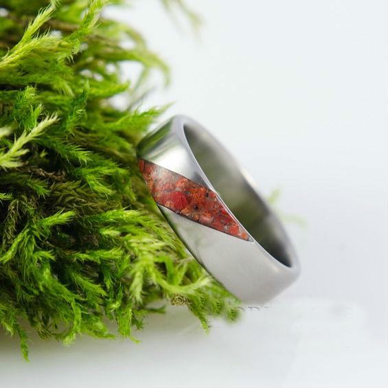 Nordwood Rings Prstýnek TITANIUM & RED CORAL TT8