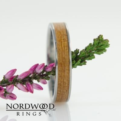 Nordwood Rings Prstýnek z titanu TITANIUM CHERRY WOOD TT24
