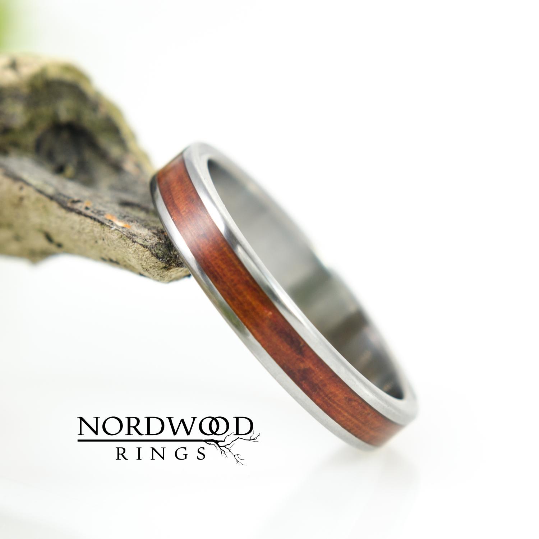 Nordwood Rings Prstýnek TITANIUM & RED PADOUK