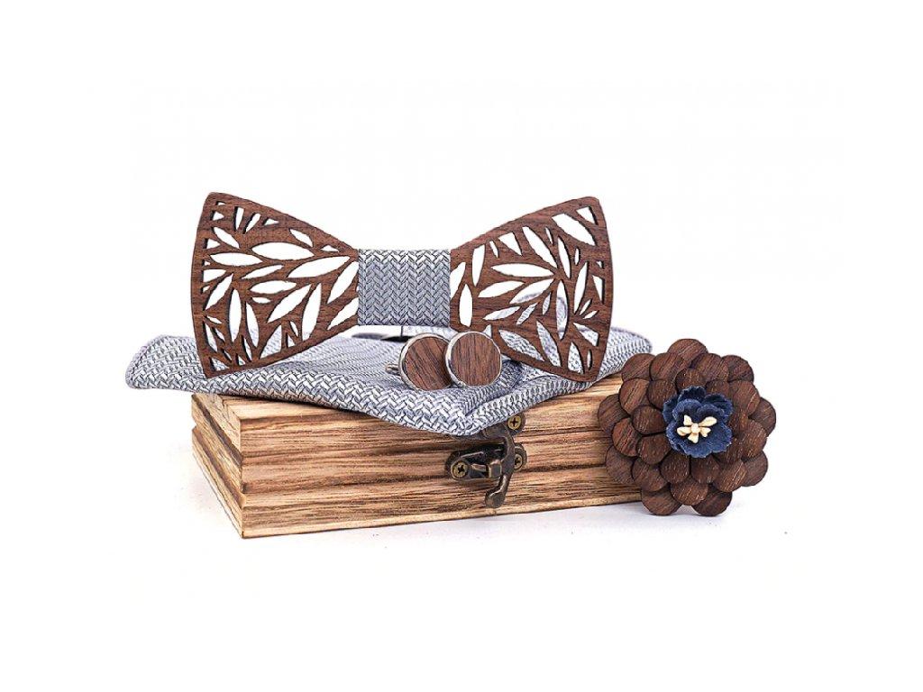 Sada s dřevěným motýlkem