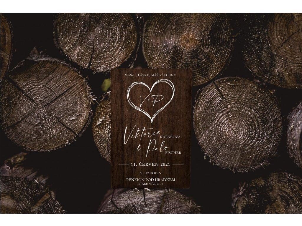 Dřevěné svatební oznámení SRDCE