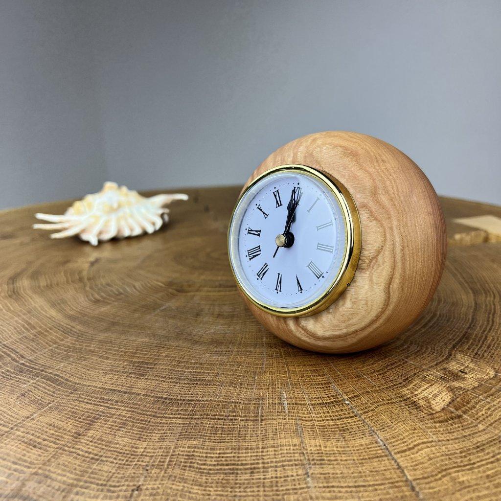 Dřevěné stolní hodiny Masuyo