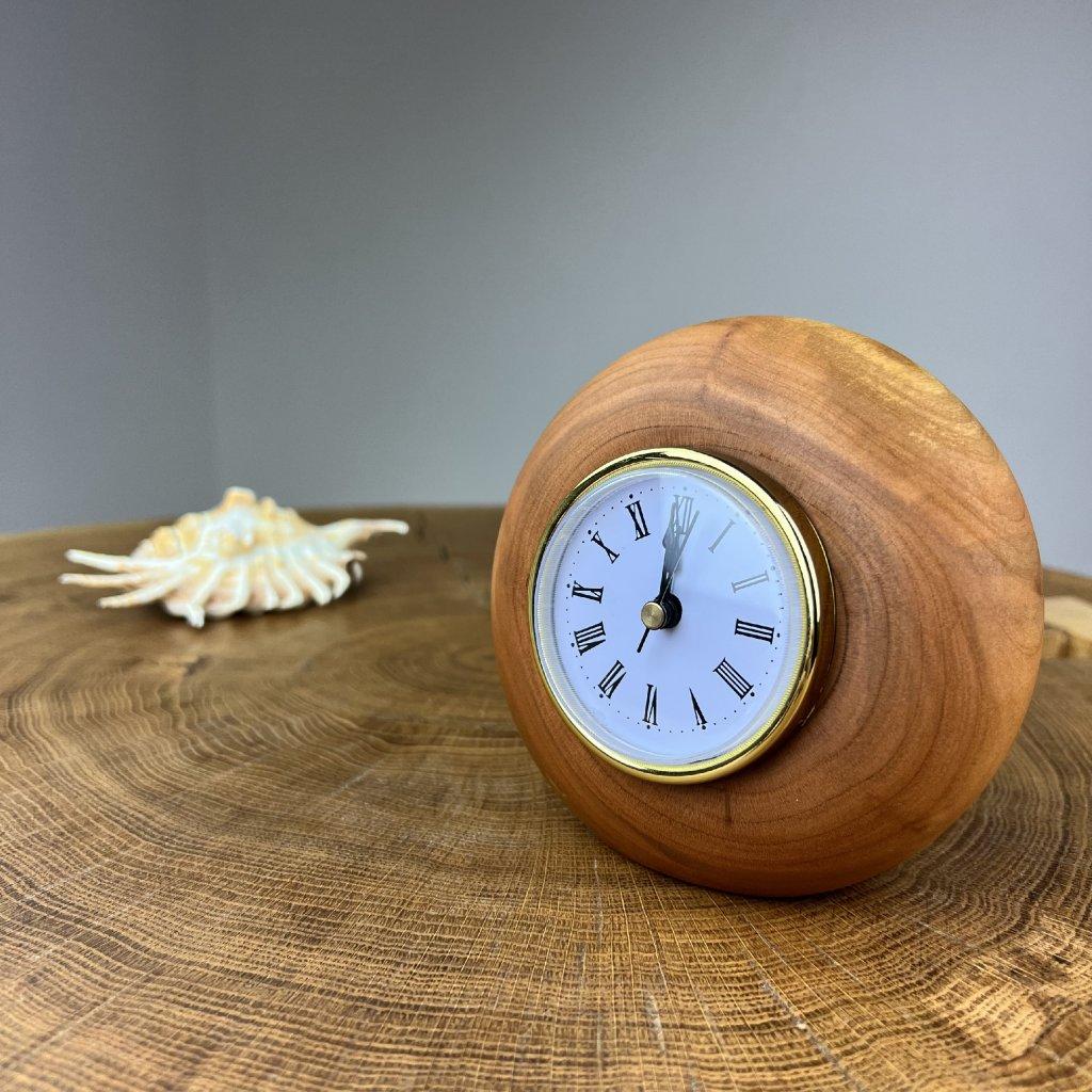 Dřevěné stolní hodiny Teese