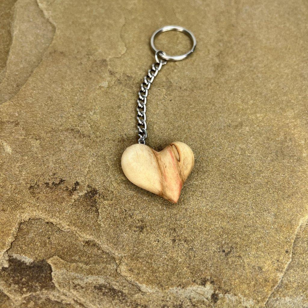 Dřevěná klíčenka Monny