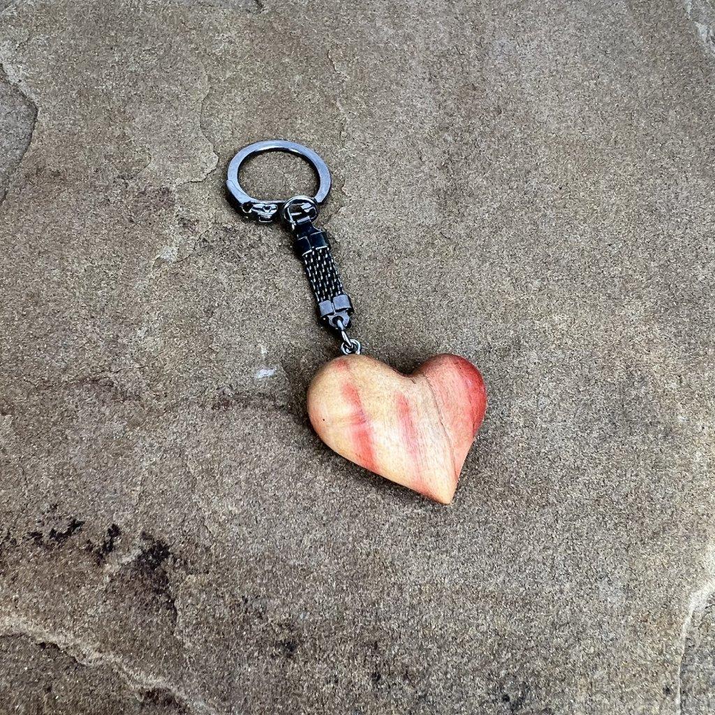 Dřevěná klíčenka Flick