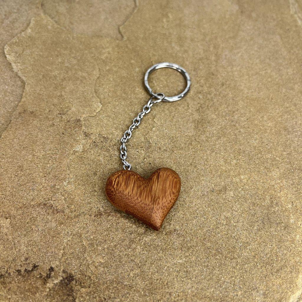 Dřevěná klíčenka Nelly