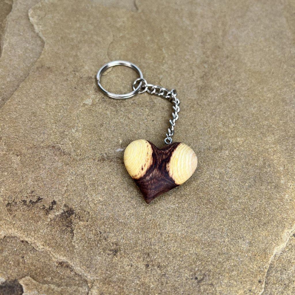 Dřevěná klíčenka Kasper