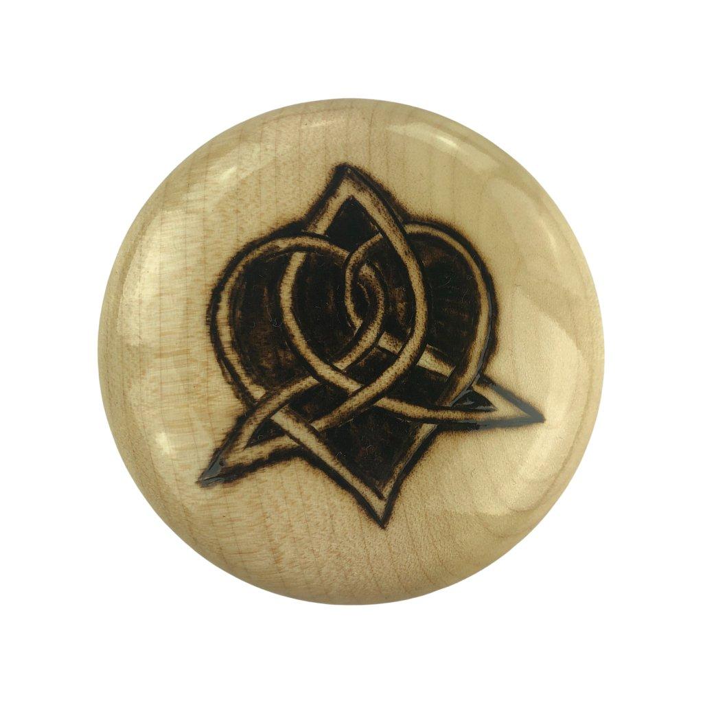 Dřevěný otvírák na pivo Symbol 3, javor