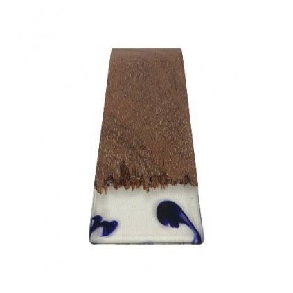 Dřevěný přívěšek na krk Meranti