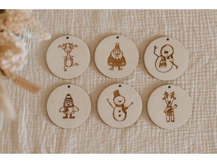 Sada dřevěných ozdob s dětskými motivy