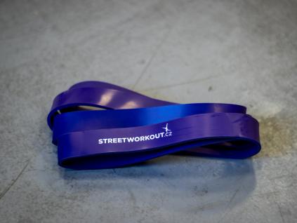 RESISTANCE BAND FIALOVÁ odporová guma na shyby střední silný odpor 50kg značky STREETWORKOUT.CZ