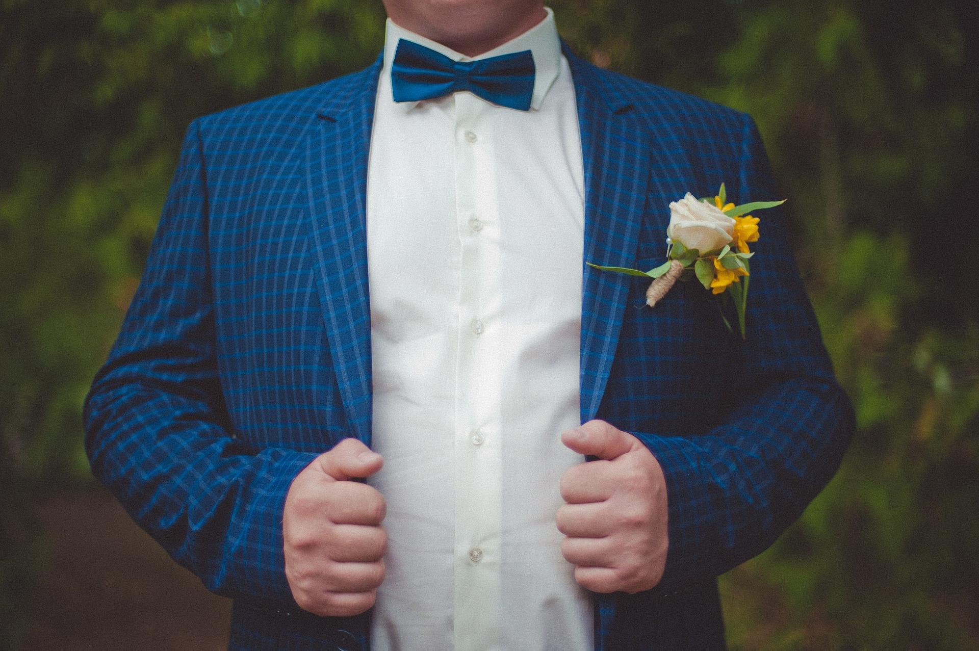 Pro muže: Co si na sebe obléct na svatbu?