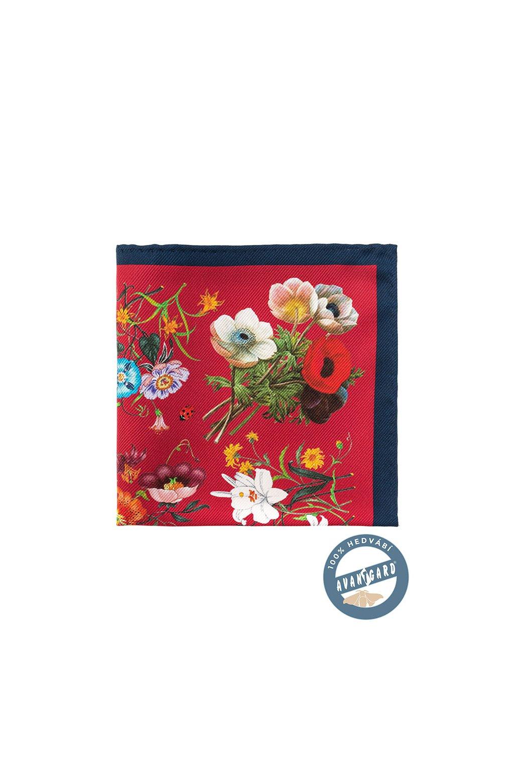 Červený kapesníček s barevným vzorem