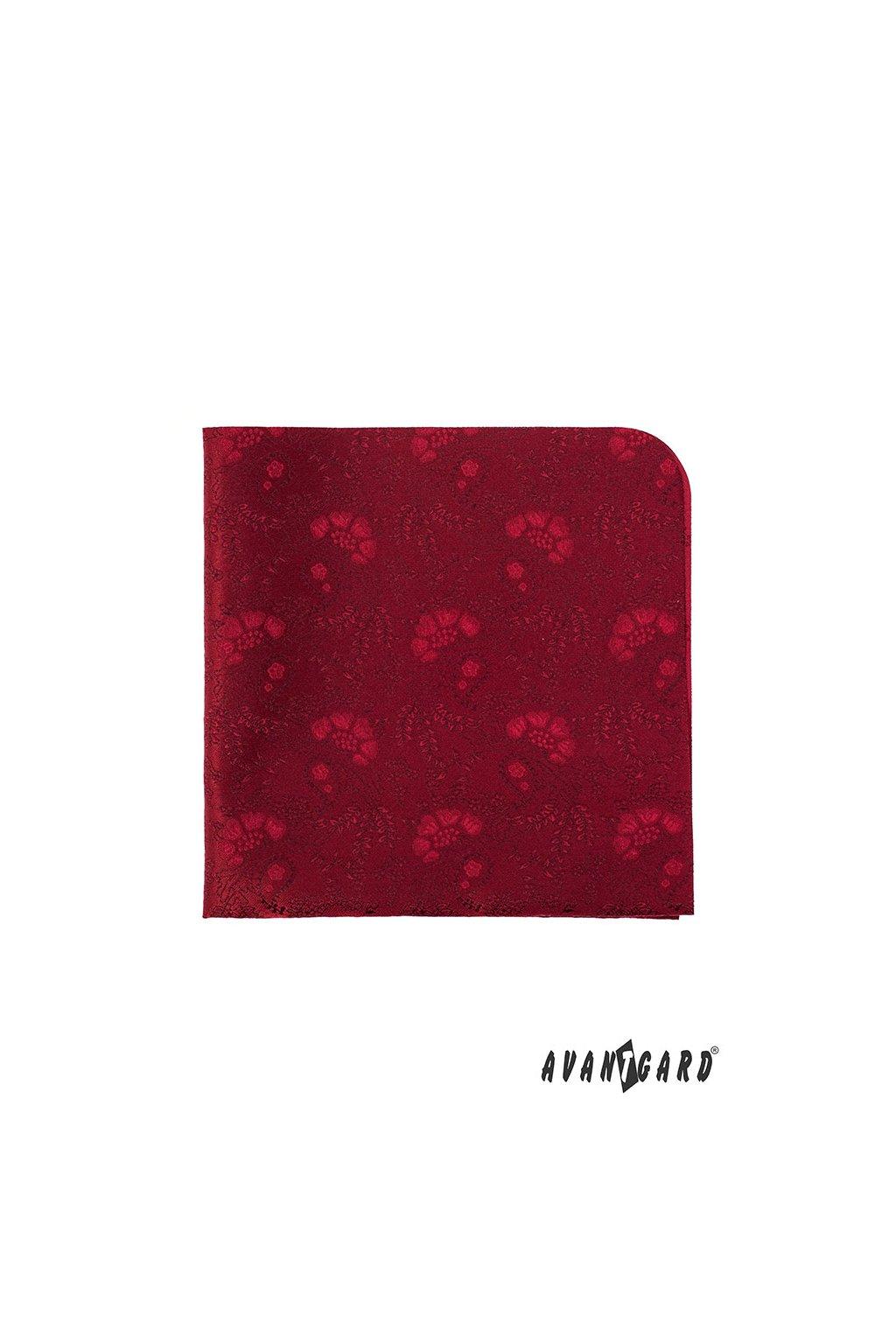 Červený kapesníček s květinovým vzorem