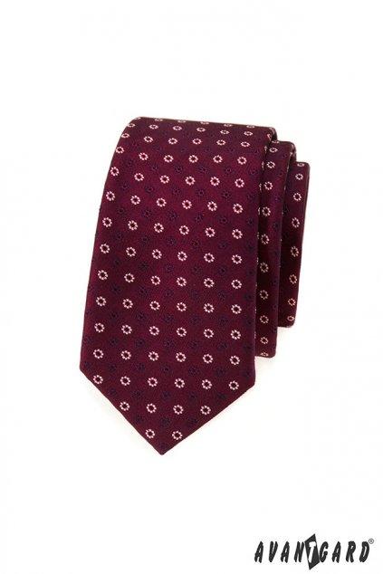Bordó kravata se vzorem